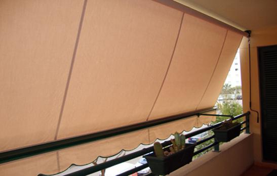 <B>1020</B> Balcony Awning