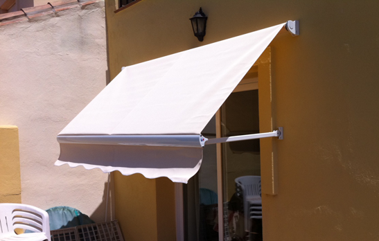 <B>1031</B> Straight Point Awning