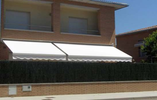 <B>2036</B> Shady arms awning