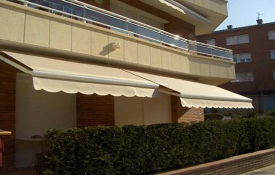 2036 Shady arms awning