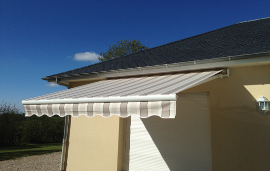 <B>3040</B> Shady arms monobloc awning